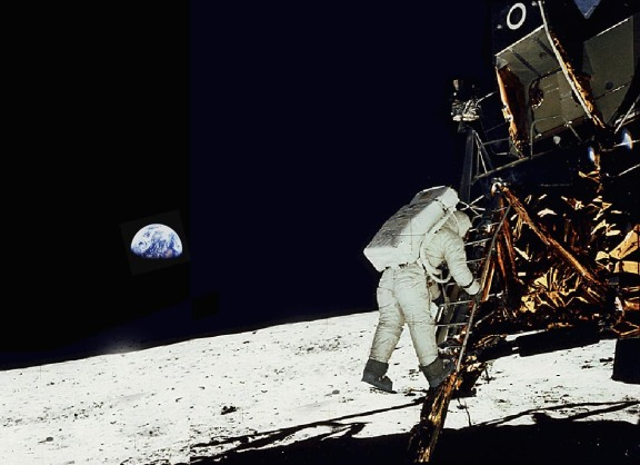 11Buzz-Aldrin-Apollo-11